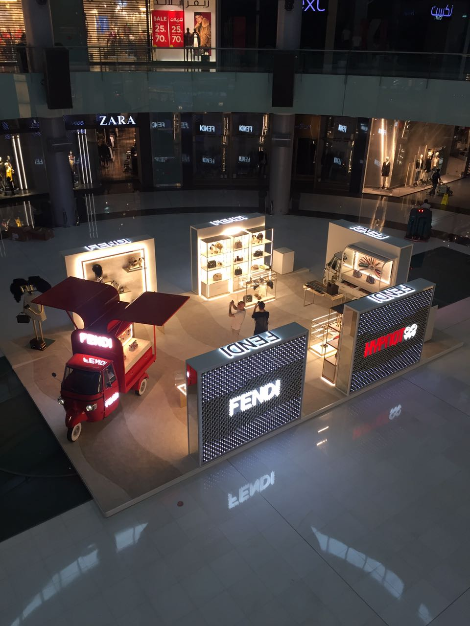 Exhibition Stand For Zara : Top solutions